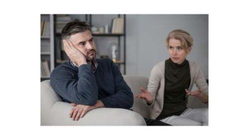 kobieta narzekająca mężczyźnie